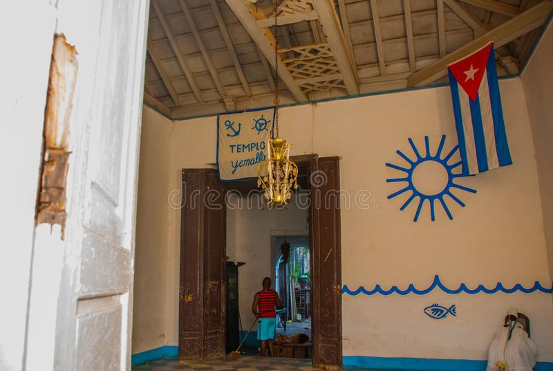 Santeria Ισραήλ, Τρινιδάδ, Κούβα Το santeria είναι η θρησκεία των afro-κουβανικών λαών στην Κούβα Το εσωτερικό του ναού Santeria στοκ φωτογραφίες με δικαίωμα ελεύθερης χρήσης