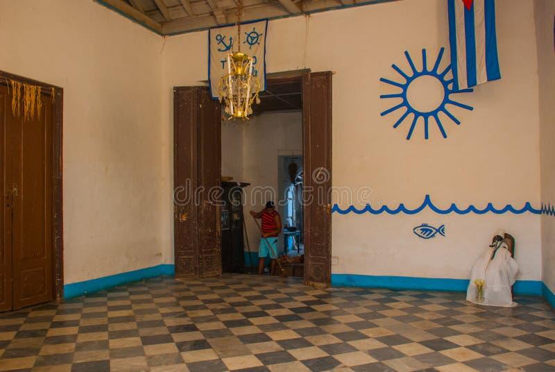 Santeria Ισραήλ, Τρινιδάδ, Κούβα Το santeria είναι η θρησκεία των afro-κουβανικών λαών στην Κούβα Το εσωτερικό του ναού Santeria στοκ εικόνα με δικαίωμα ελεύθερης χρήσης