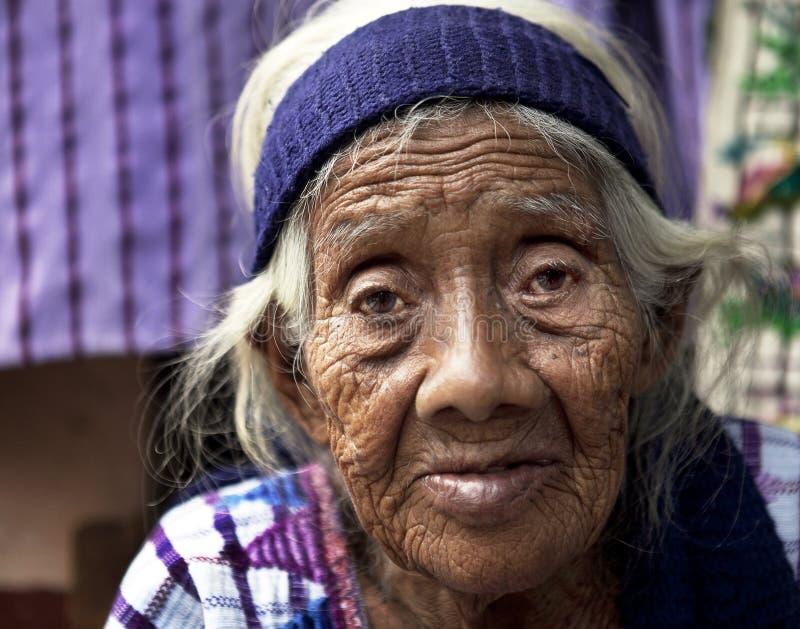 Mooie Hogere Mayan Vrouw stock foto's