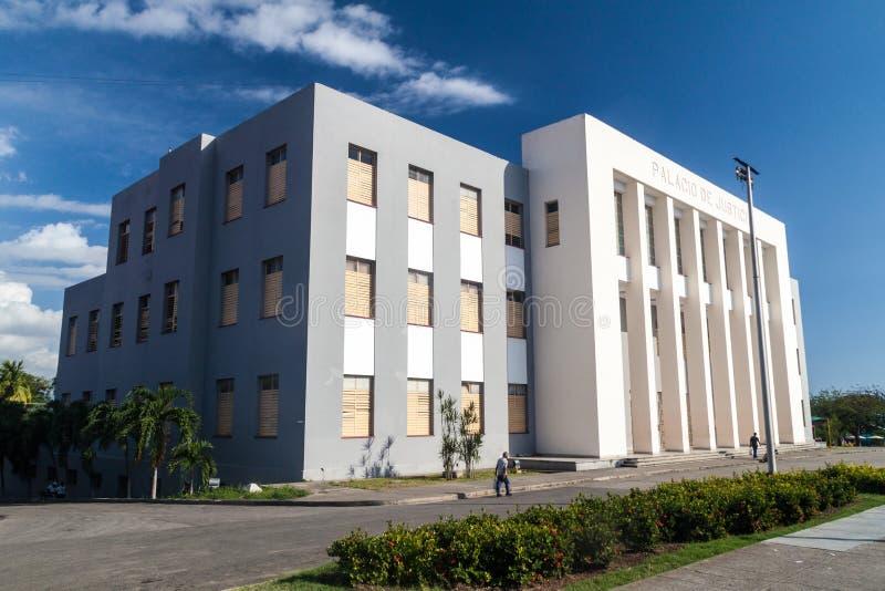 SANTIAGO DE CUBA, KUBA - 31. JANUAR 2016: Palast Palacio de Justicia Justice in Santiago de Cu stockfotografie