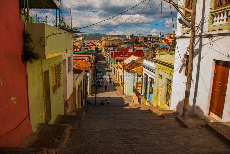 Santiago de Cuba, Cuba : Rue-escaliers d'aumônier Pico photos stock