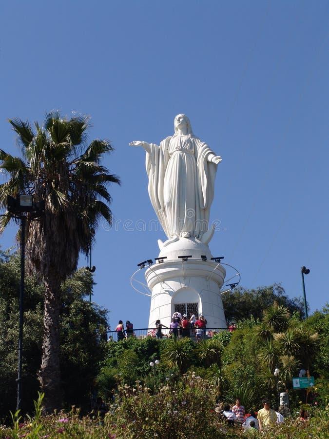 Santiago doet Chili Cerro San Cristobal Standbeeld van Maagdelijke Mary royalty-vrije stock foto's