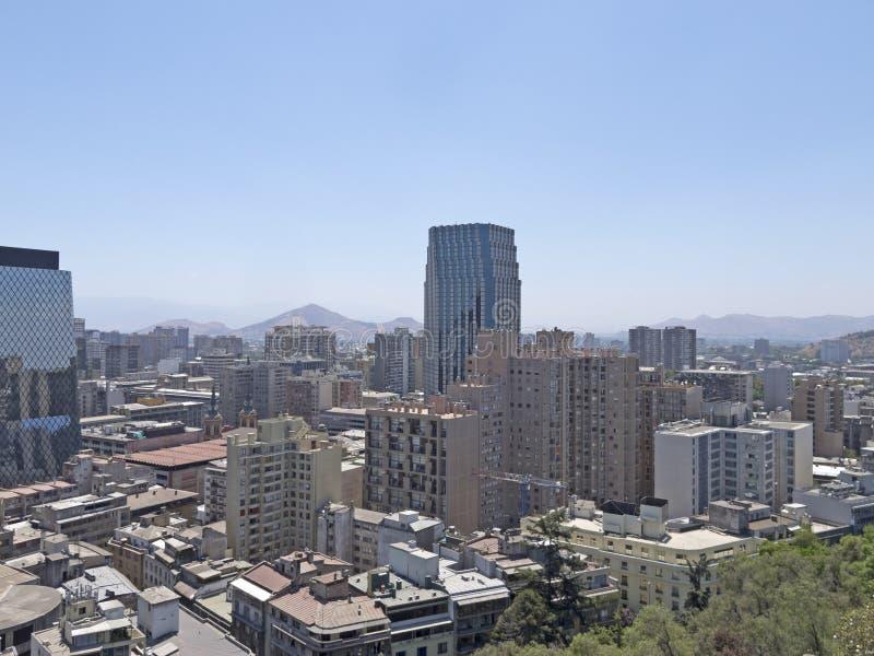 Download Santiago font le Chili image stock. Image du montagnes - 45352651