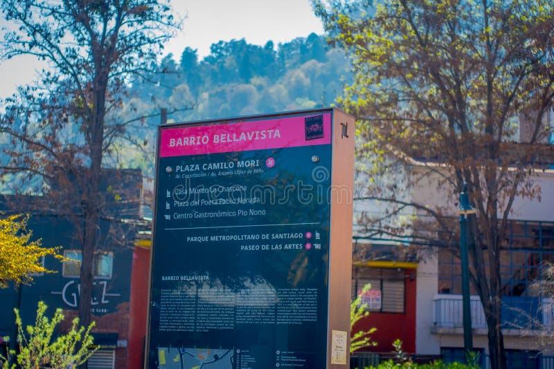 SANTIAGO, O CHILE - 13 DE SETEMBRO DE 2018: Ideia exterior do sinal informativo do la Chascona do museu, quadrado de Pablo Neruda imagem de stock royalty free