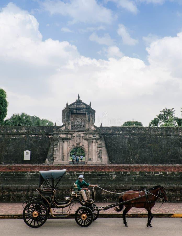Santiago velho do forte com transporte do cavalo, Manila, Filipinas fotografia de stock royalty free
