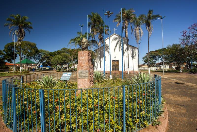 Santo安东尼奥教会在与工作的brodowski城市在坎迪多・波尔蒂纳里旁边 2017年3月 免版税库存图片