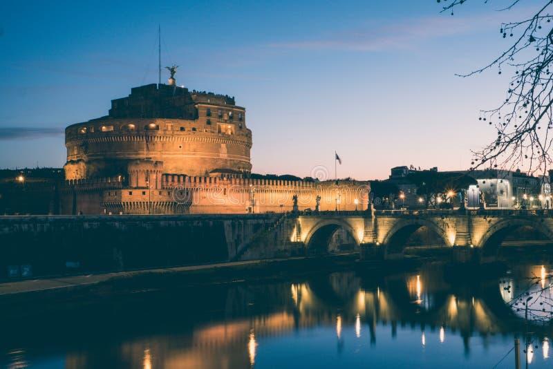 Santo Angelo Castle y St Angelo Bridge en Roma, Italia Vintag fotos de archivo libres de regalías