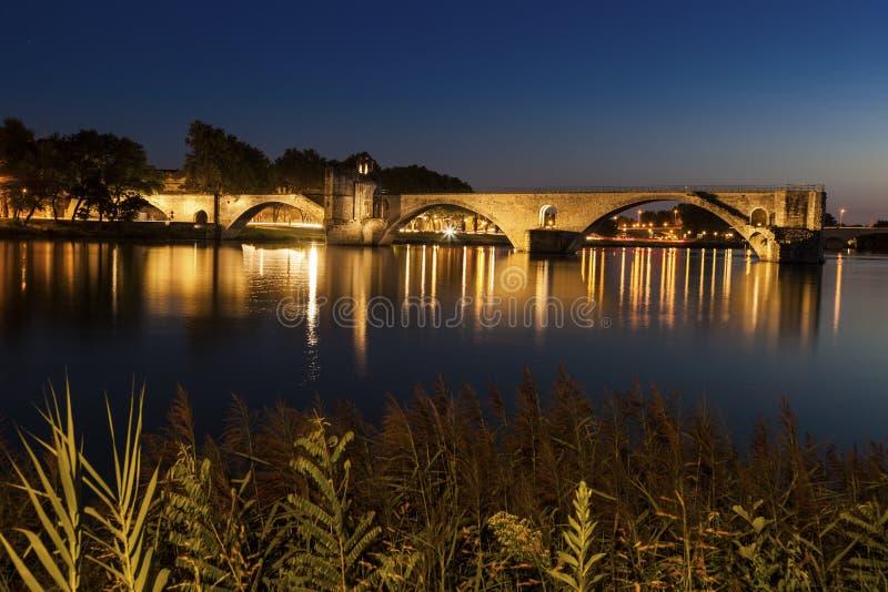 Santo-Benezet de Pont en el río Rhone en Aviñón imagenes de archivo