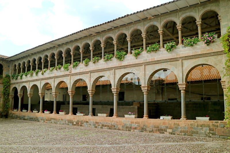 Santo Domingo Convent no local arqueológico de Qoricancha, Cusco, Peru imagens de stock
