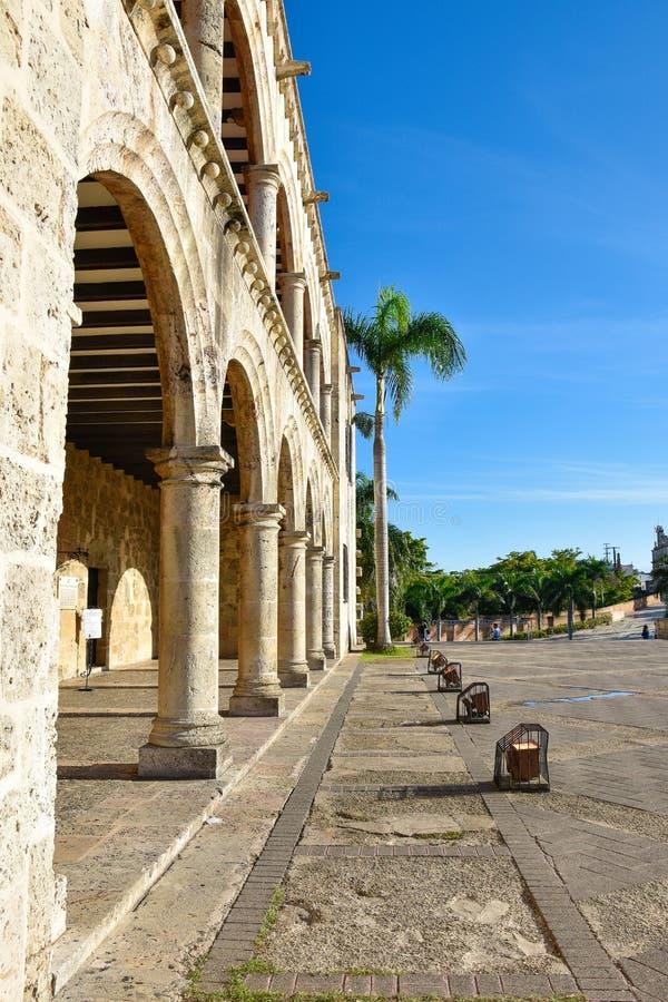 Santo Domingo, Dominicaanse Republiek Alcazar DE Colon (Diego Columbus House), Spaans Vierkant royalty-vrije stock foto's