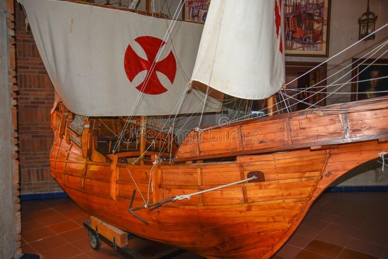 Santo Domingo, Dominicaanse Republiek De schepenreproductie van Columbus ` Museum binnen de Vuurtoren van Christopher Columbus royalty-vrije stock foto