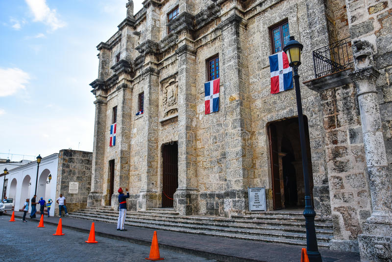 Santo Domingo, Dominicaanse Republiek Nationaal die Pantheon in de straat van Las wordt gevestigd Damas stock afbeelding