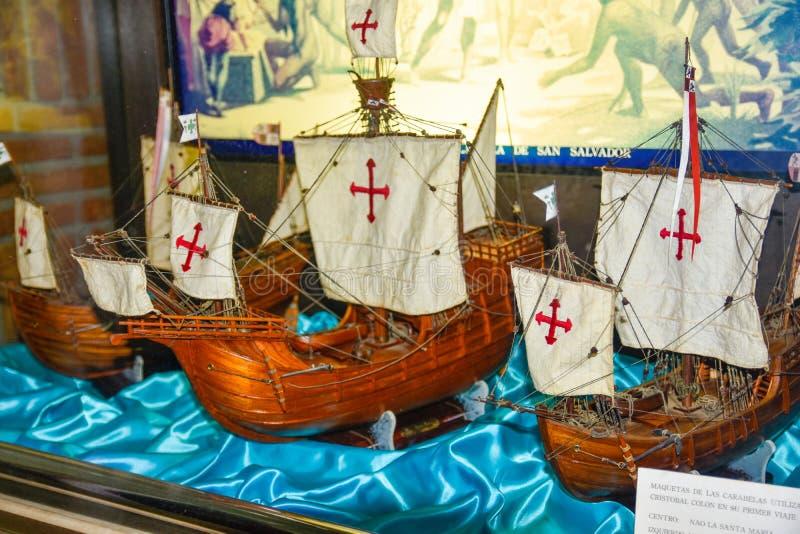 Santo Domingo, Dominicaanse Republiek Schip` s reproductie van Niña, Pinta en Santa Maria Museum binnen Columbus Lighthouse stock afbeelding