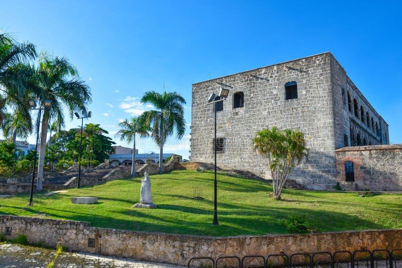 Santo Domingo, Dominicaanse Republiek Standbeeld van Maria De Toledo in Alcazar DE Colon (Diego Columbus House) royalty-vrije stock afbeelding