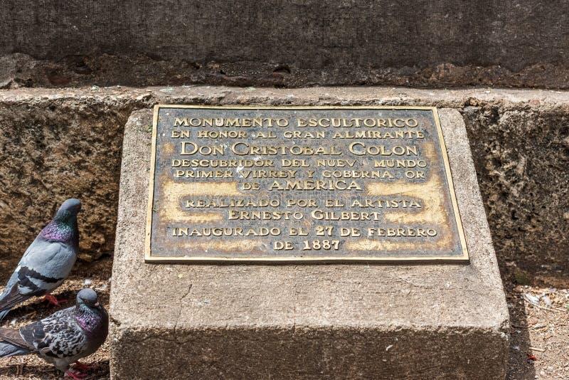 SANTO DOMINGO DOMINIKANSKA REPUBLIKEN - AUGUSTI 8, 2017: Minnes- platta till Christopher Columbus Närbild arkivfoto