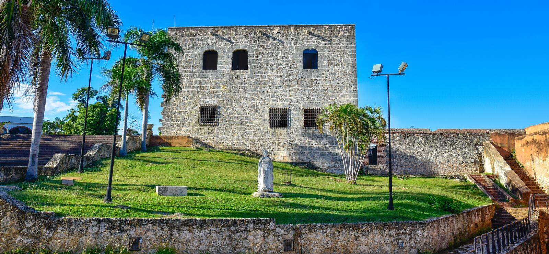 Santo Domingo Dominikanska republiken Staty av Maria De Toledo i Alcazar de Kolon (Diego Columbus House) royaltyfria bilder