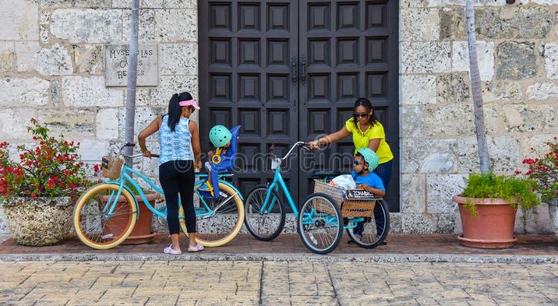 Santo Domingo, República Dominicana Museo de la casa real, Alcazar de Colon, residencia de Diego Columbus situada en cuadrado esp fotos de archivo libres de regalías