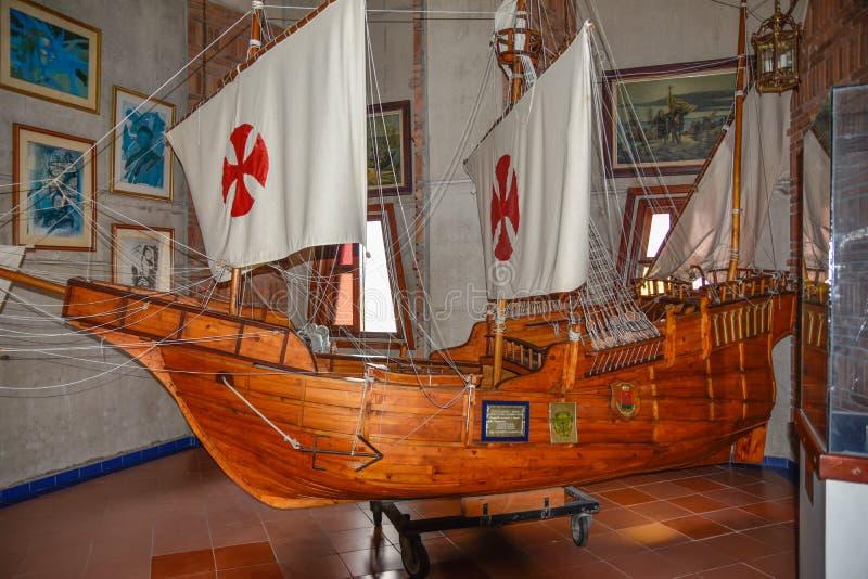 Santo Domingo, República Dominicana O ` de Columbo envia a reprodução Museu dentro do farol de Christopher Columbus fotografia de stock