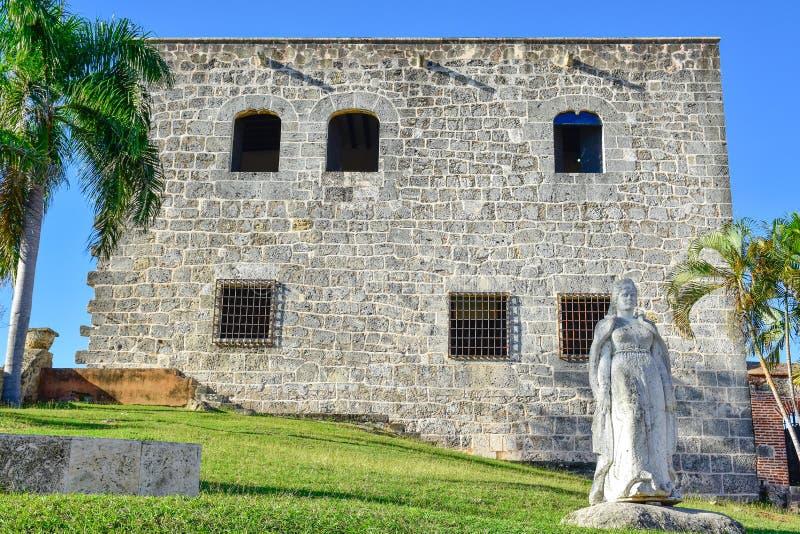 Santo Domingo, republika dominikańska Statua Maria De Toledo w Alcazar De Dwukropek (Diego Kolumb dom) obrazy royalty free