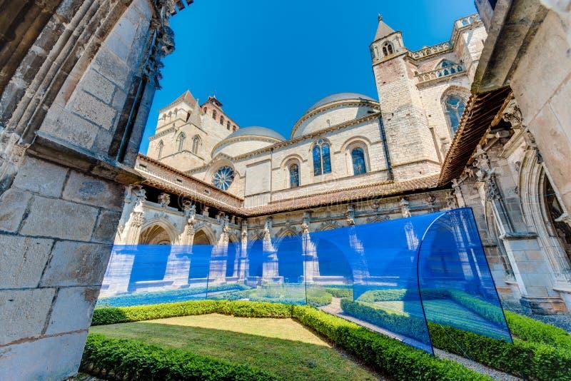 Santo Etienne Catholic en Cahors, Francia imagen de archivo libre de regalías