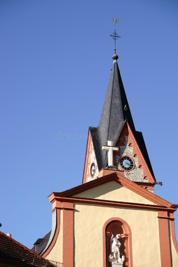 Santo Georg Church Nieder-Olm de la torre de reloj imagen de archivo