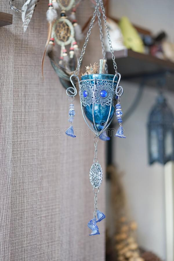 Santo grial Una taza medieval de la cáliz de la fantasía de vino adornó ingenio fotografía de archivo