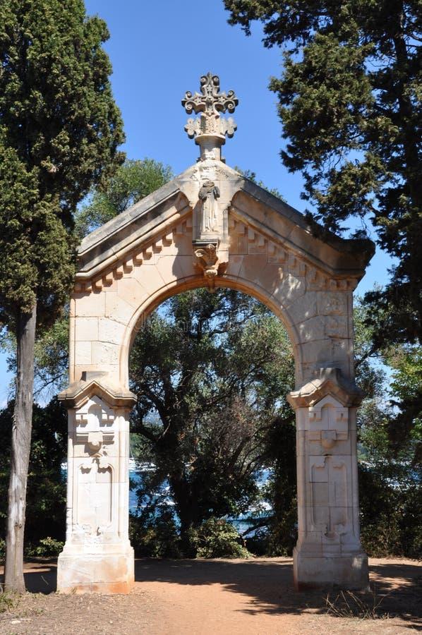Santo-Honorat de las islas de Lerins, la puerta de la capilla en el rastro foto de archivo