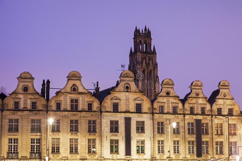 Santo Jean-Baptiste Church en el Arras visto de héroes del DES del lugar fotografía de archivo libre de regalías