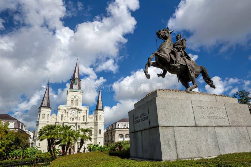 Santo Louis Cathedral y estatua de Andrew Jackson imagen de archivo libre de regalías