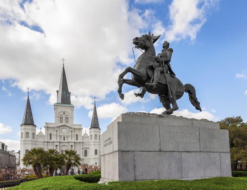 Santo Louis Cathedral y estatua de Andrew Jackson, New Orleans, imagen de archivo