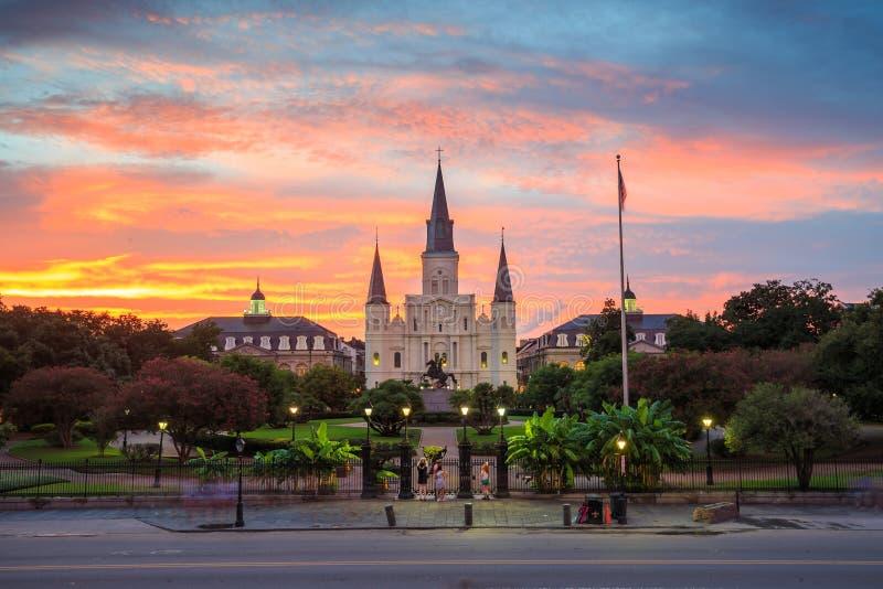 Santo Louis Cathedral y Jackson Square en New Orleans fotografía de archivo libre de regalías