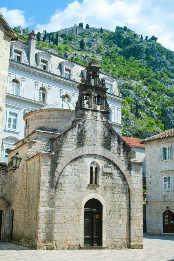 Santo Lucas Chuch Sveti Luka en la ciudad vieja de Kotor, Montenegro Es uno de los símbolos de esta ciudad antigua fotos de archivo libres de regalías