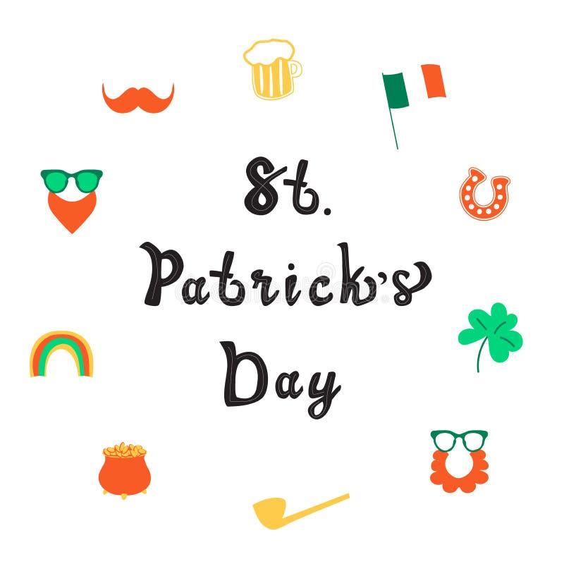 Santo Patrick Day que pone letras a la decoración con la taza de cerveza y de hoja de trébol stock de ilustración