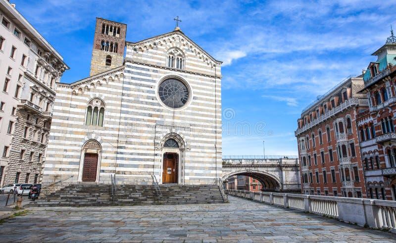 Santo Stefano Saint Stephen Church nel centro urbano di Genova, Italia immagine stock libera da diritti