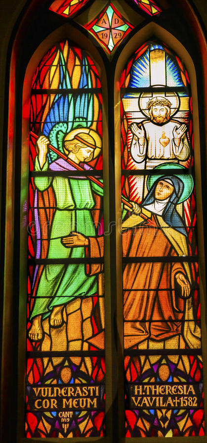 Santo Teresa Avila Stained Glass De Krijtberg Amsterdam Países Bajos imagenes de archivo