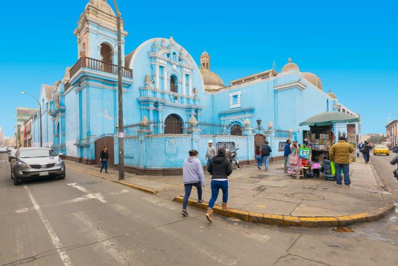 Santo Tomas Church no distrito alto Lima fotos de stock