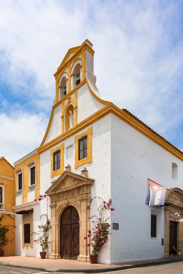 Santo Toribio Church, rua do prefeito de Sangerto na cidade no colonial imagem de stock