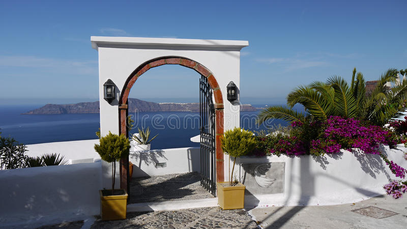 Santorini,对天堂的门道入口 图库摄影