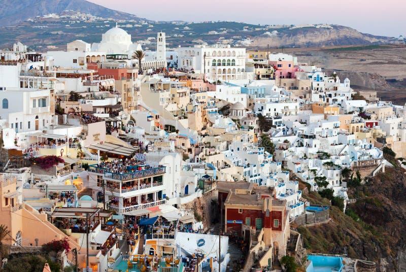 Santorini är en av mest berömda grekiska semesterorter arkivfoton