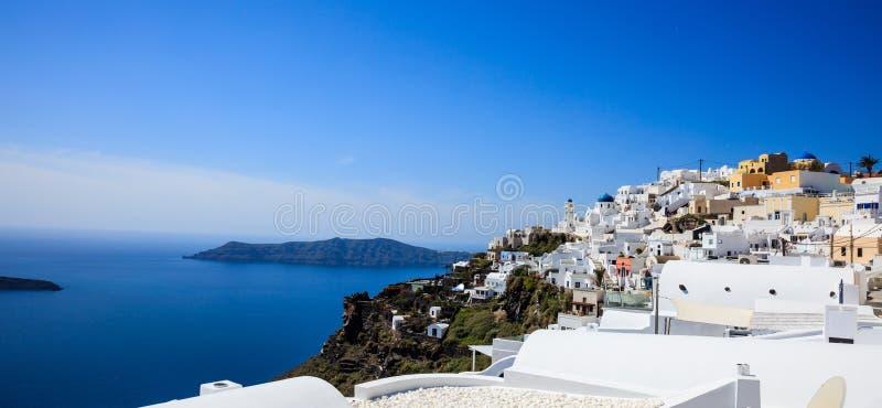 Santorini ö, Grekland - Caldera över det Aegean havet royaltyfri bild