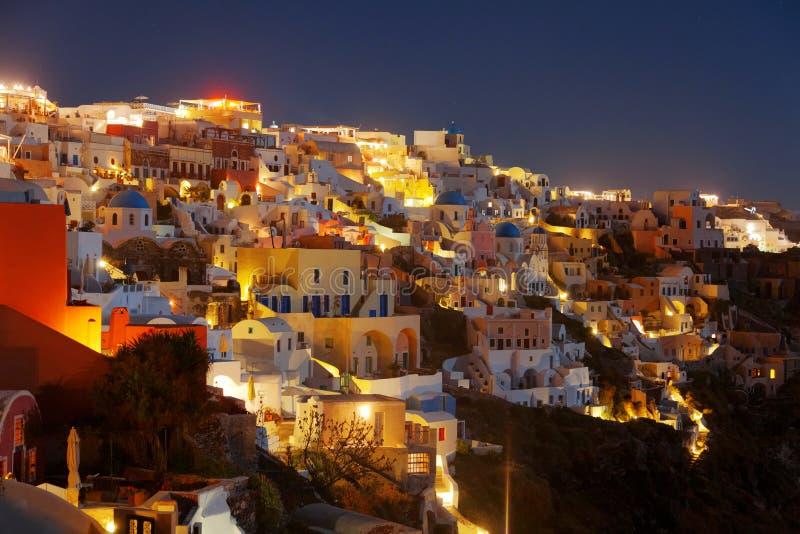 Santorini на ноче стоковые изображения rf