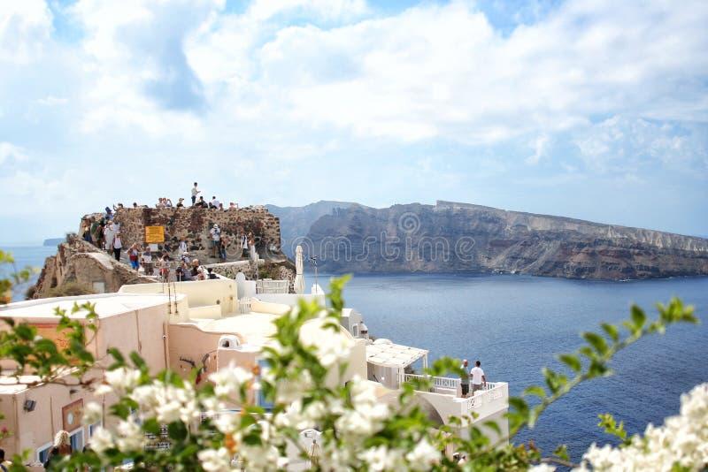 santorini острова холма Греции зданий Oia, городок Fira Традиционные и известные дома и церков над кальдерой стоковые фотографии rf