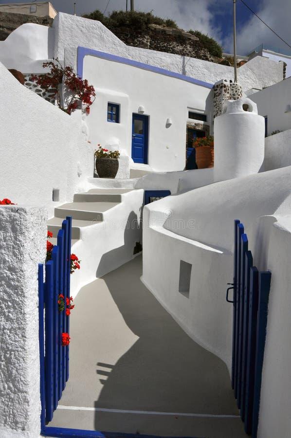 Santorini blu e bianco- greco classico di architettura, fotografia stock libera da diritti