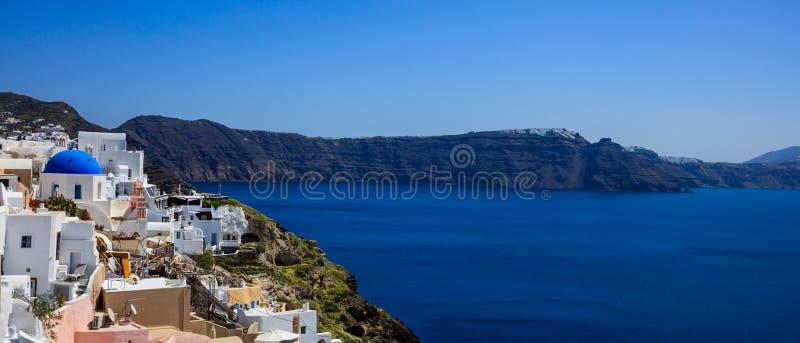 Santorini-Insel, Griechenland - Kessel über Ägäischem Meer lizenzfreies stockbild