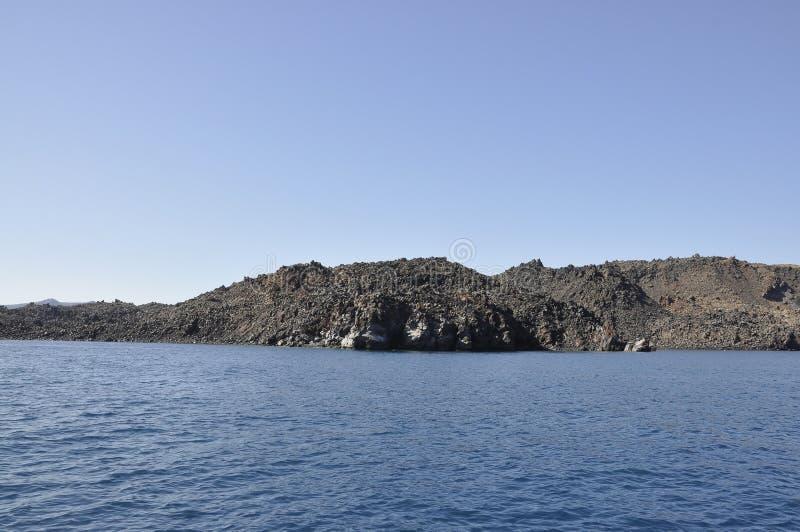 Santorini, le 2 septembre : Bateau à voile journay dans la caldeira de Santorini image libre de droits