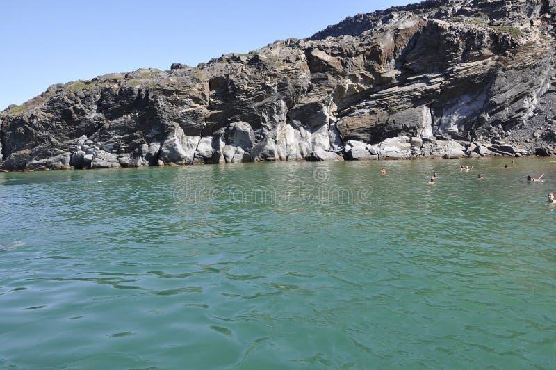 Santorini, le 2 septembre : Bateau à voile journay dans la caldeira de Santorini photographie stock