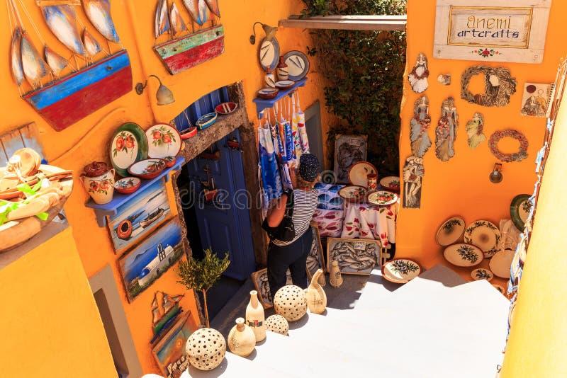 Santorini pamiątkarski sklep zdjęcie royalty free