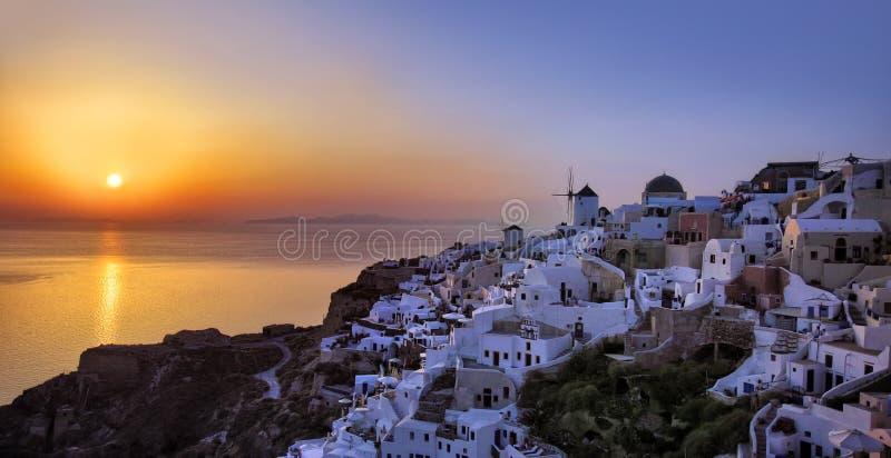 Santorini solnedgång royaltyfria foton