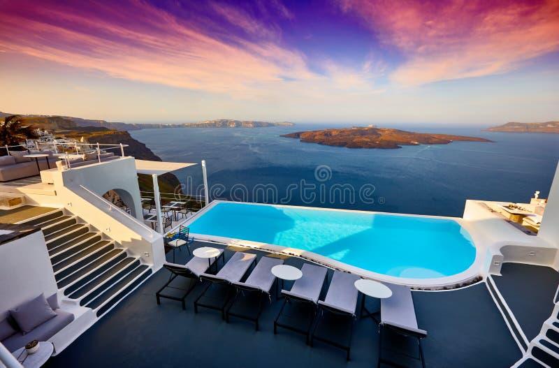 Santorini-Swimmingpool stockfotos