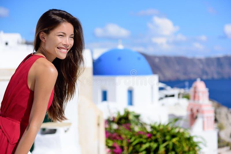 Santorini touist - Azjatycka kobieta na lato podróży obraz royalty free